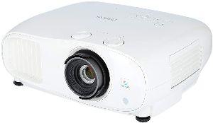 Epson EH TW7000 – El proyector de gran eficiencia